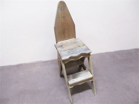 VINTAGE BACHELOR'S CHAIR
