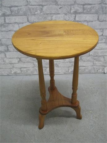 NICE SMALL ROUND SIDE TABLE