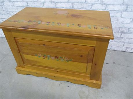 SMALL CHARMING PAINTED CHEST