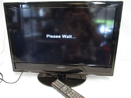 "INSIGNIA 24"" LCD TV MODEL NS-24L240A13 WITH REMOTE"
