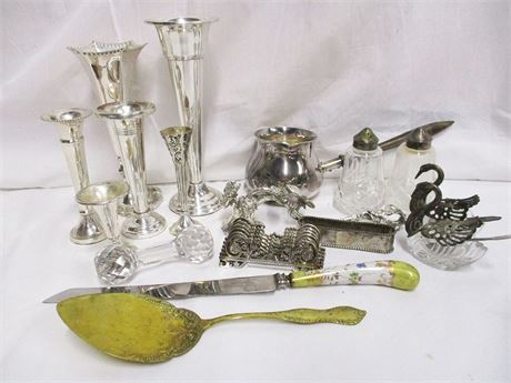 LOT OF DECORATIVE SILVER PLATE
