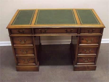 VINTAGE SLIGH & LOWRY GREEN TOOLED LEATHER TOP KNEEHOLE DESK