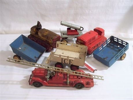 7 PIECE VINTAGE TOY LOT