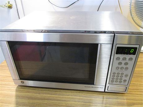 GE 1.1 CU.FT. TURNTABLE MICROWAVE OVEN
