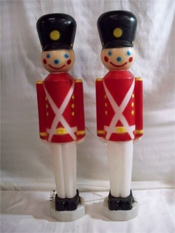2 CAROLINA ENTERPRISES BLOW MOLD CHRISTMAS TOY SOLDIERS