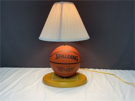 Spalding Tip-Off Basketball Lamp