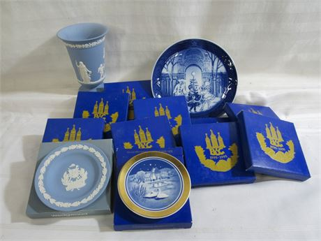 13 PIECE BLUE AND WHITE CHINA LOT - WEDGEWOOD AND BING & GRONDAHL