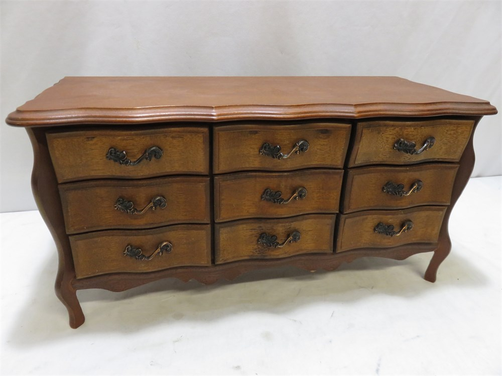 Transitional Design Online Auctions - Dresser Top Jewelry Box