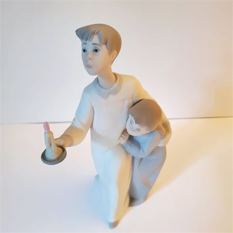 "Lladro Figurine ""Boy in Nightshirt"" #4874"