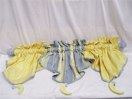 SWEET MOON VALANCE FOR CHILD'S ROOM