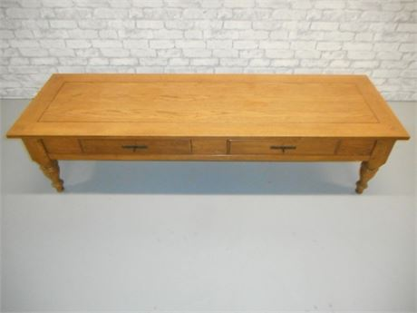 NICE LARGE OAK TABLE  WITH BUTTERLY KEYED MITERED CORNERS