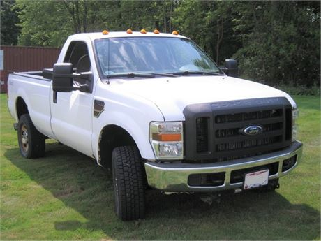 2008 Ford F-350 XL Super Duty 4 x 4 – V8 Power Stroke Turbo Diesel