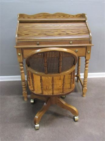 Nice Smaller Oak Roll-top Desk with Chair