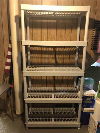 Rubbermaid Storage Shelf