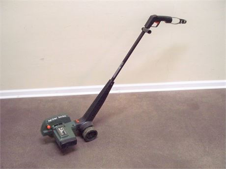 BLACK AND DECKER ELECTRIC GEAR DRIVE EDGER