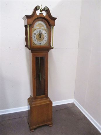 GRANDMOTHER CLOCK BY COLONIAL MODEL 1688
