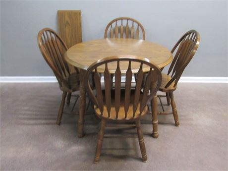 Oak Dinette Dining Table with 4 Arrow-back Chairs and 1 Leaf