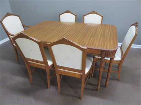 NORTHERN FURNITURE CO. Vintage Federal Style Dining Set