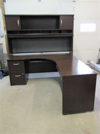 Bush Contemporary L-Shaped Desk with Hutch
