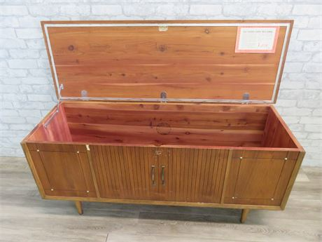 Vintage Mid-Century Lane Cedar Chest