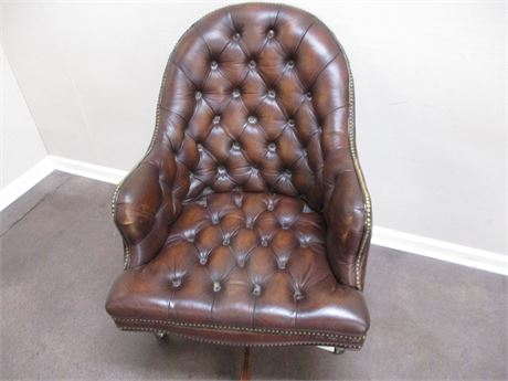 BROWN LEATHER SWIVEL DESK CHAIR