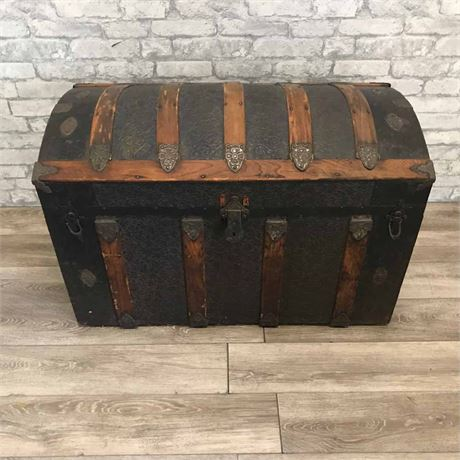 Vintage Domed Top Saratoga Steamer Trunk