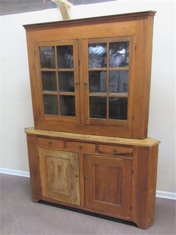 LARGE ANTIQUE CORNER CABINET/HUTCH