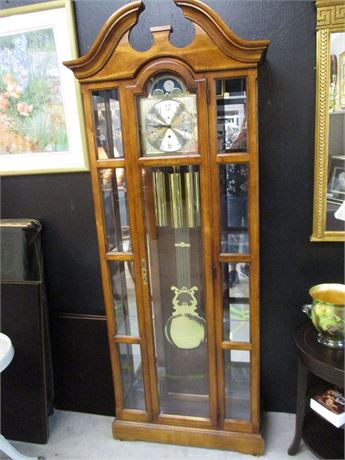 HOWARD MILLER CURIO GRANDFATHER CLOCK - MODEL 610-557