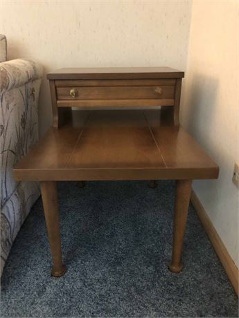 Mid Century American Martinsville End Table