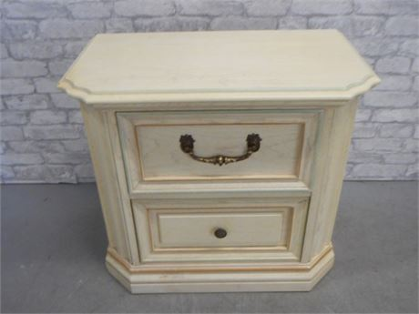 BASSETT SAVANNAH WHITE NIGHTSTAND