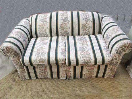 STRIPED LOVESEAT