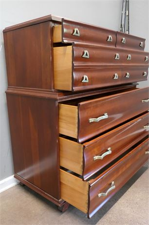 Kling Lacquer Finished 7 Drawer Dresser