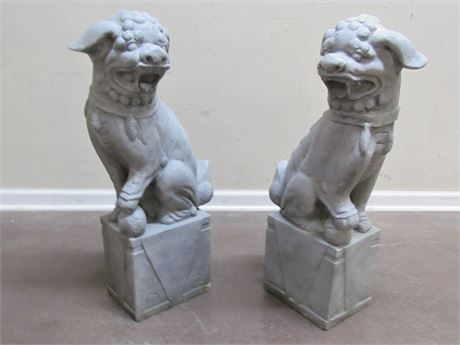 2 LARGE DECORATIVE ORIENTAL/ASIAN FOO DOG STATUES
