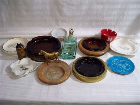 12 PIECE VINTAGE SOUVENIR ASHTRAY/TRINKET DISH LOT