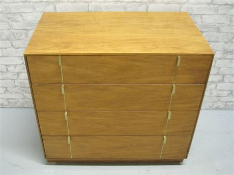 HICKORY MANUFACTURING MID CENTURY SMALL CHEST OF DRAWERS
