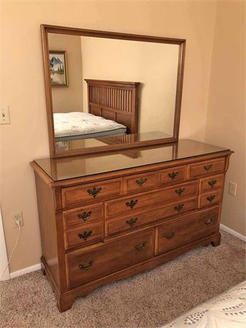 Mirrored Bedroom Dresser