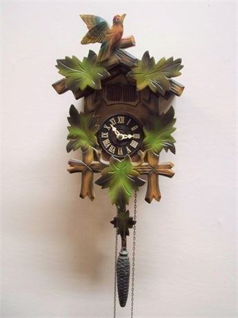 VINTAGE CUCKOO CLOCK MFG. CO. - GERMANY CUCKOO CLOCK