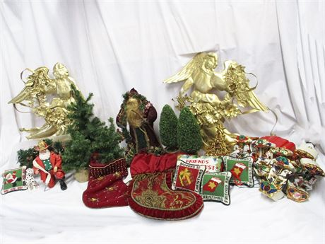 LOT OF CHRISTMAS DECOR FEATURING MR. CHRISTMAS