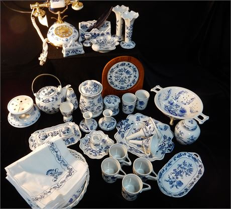 Collectible Blue Danube Blue Onion China Set