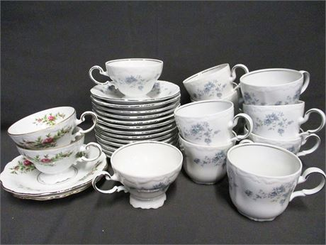 LOT OF HAVILAND CHINA CUPS AND SAUCERS