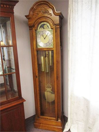 HOWARD MILLER GRANDFATHER CLOCK MODEL 610-569