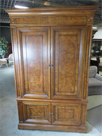 ETHAN ALLEN Townhouse Collection Entertainment Armoire