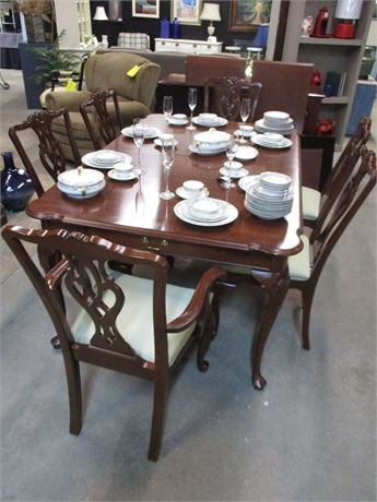"ETHAN ALLEN ""GEORGIAN COURT"" DINING TABLE, 6 CHAIRS, 2 LEAVES, PADS"