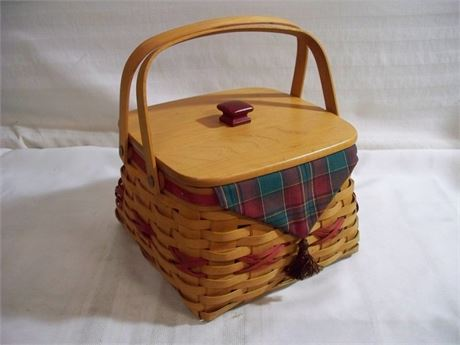 LONGABERGER BASKET WITH LINER AND PROTECTOR