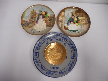 4 PIECE DECORATIVE PLATE LOT - ROYAL DOULTON AND SOLID BRONZE BY WENDELL AUGUST