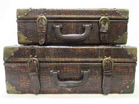 LOT OF 2 VINTAGE-LOOK SUITCASES