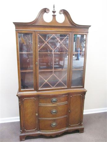LOVELY VINTAGE HUTCH