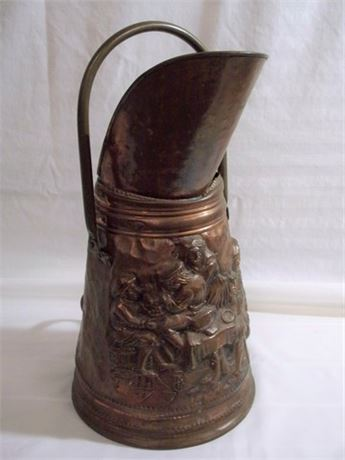 VINTAGE/ANTIQUE BRASS AND COPPER REPOUSSE COAL SKUTTLE