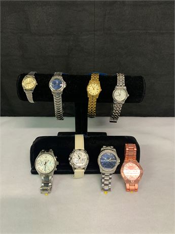 Lot of 8 watches Featuring  Bulova, Tommy Bahama