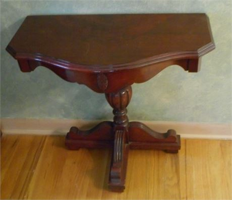 SMALL VINTAGE PEDESTAL SIDE/CONSOLE TABLE